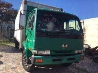 1999 Nissan Ud 2600 Box Truck - Straight Truck