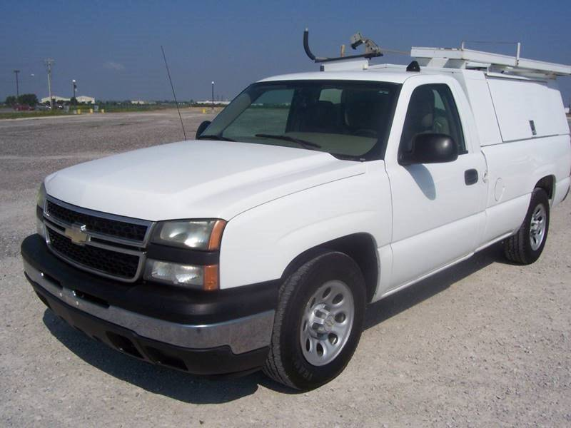 2007 Chevrolet Silverado 1500 Classic Contractor Truck