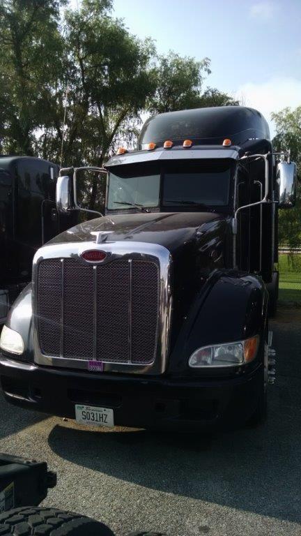 2012 Peterbilt 384 Conventional - Sleeper Truck