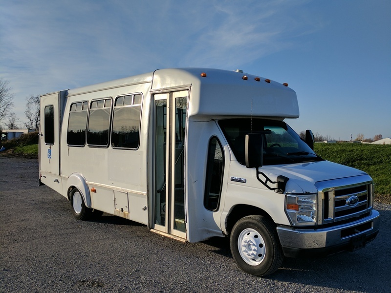 2009 Ford F450 16/15 Passenger Bus Bus