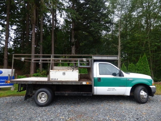 2002 Ford F350 Flatbed Truck
