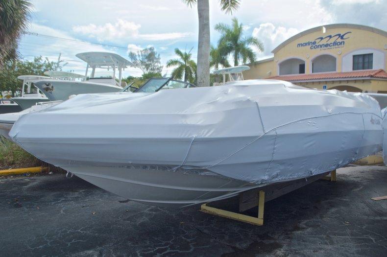 2017 Hurricane SUNDECK SPORT SS 231 OB