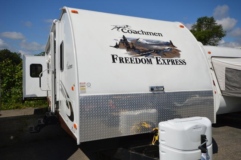 Coachmen Freedom Express 296REDS