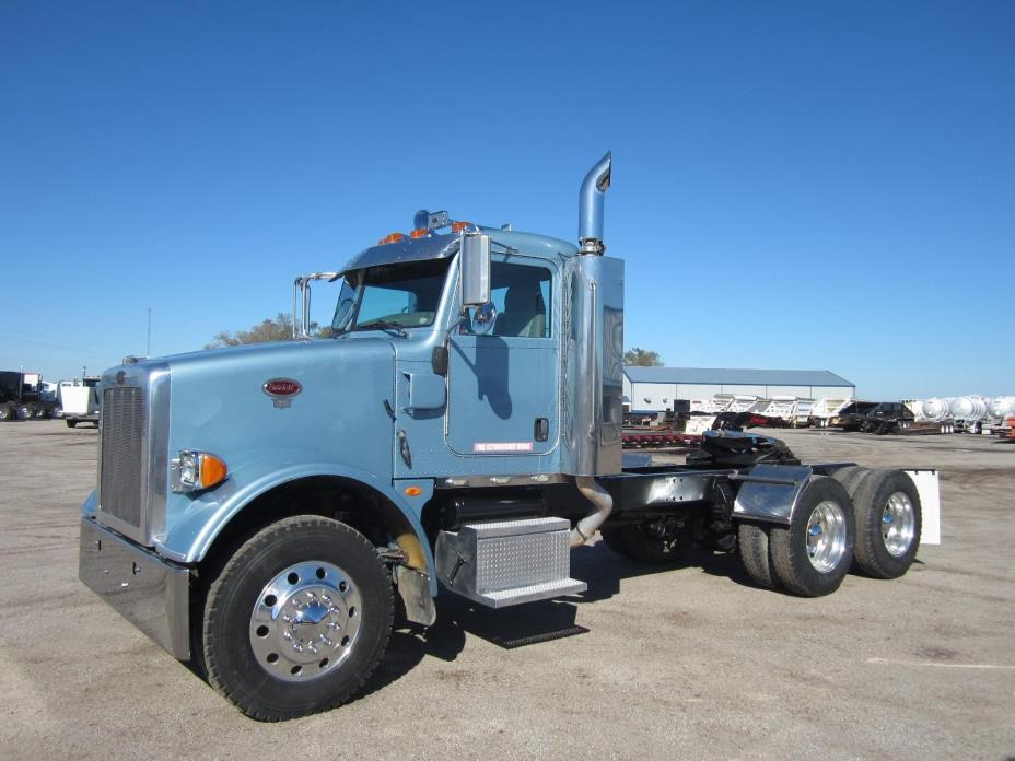2008 Peterbilt 365 Conventional - Day Cab