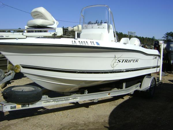 2001 Seaswirl 1810 STRIPER