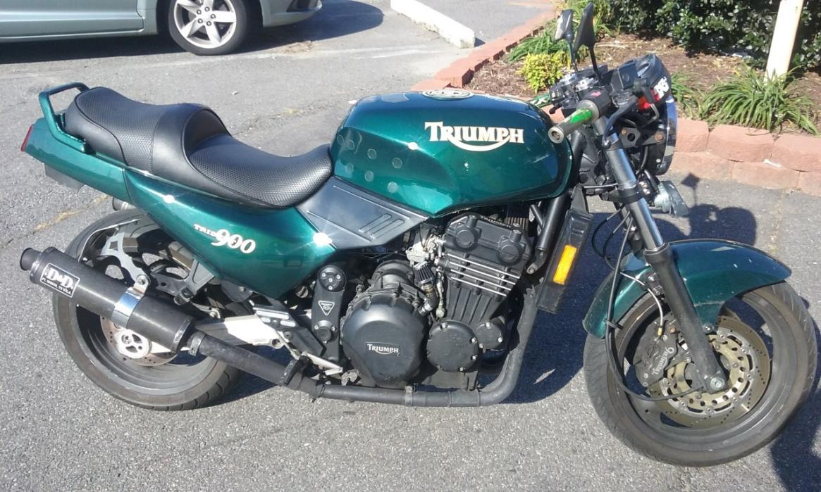 2012 Triumph Bonneville SE Two-Tones