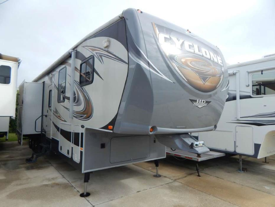 2012 Heartland Cyclone RV CY 3712CK