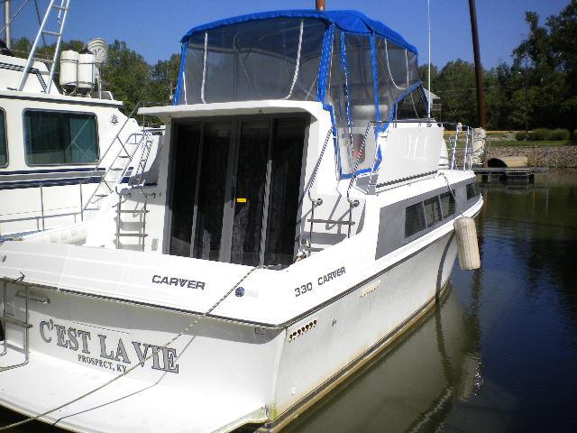 1996 Carver 330 Mariner
