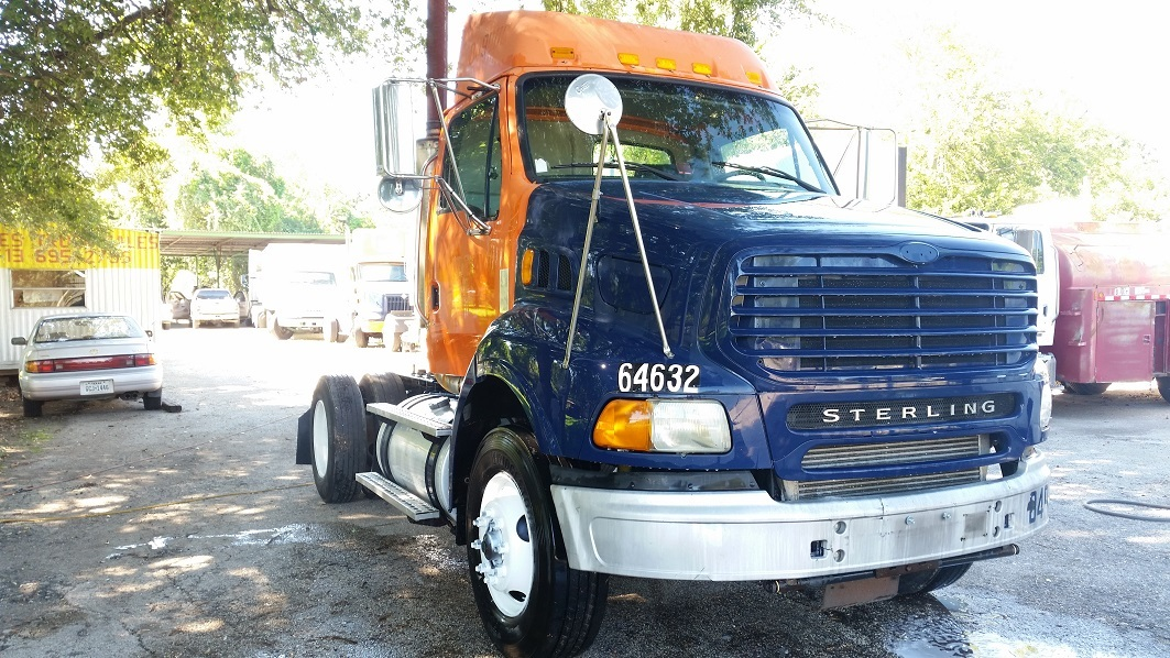 2004 Sterling A9500  Conventional - Day Cab