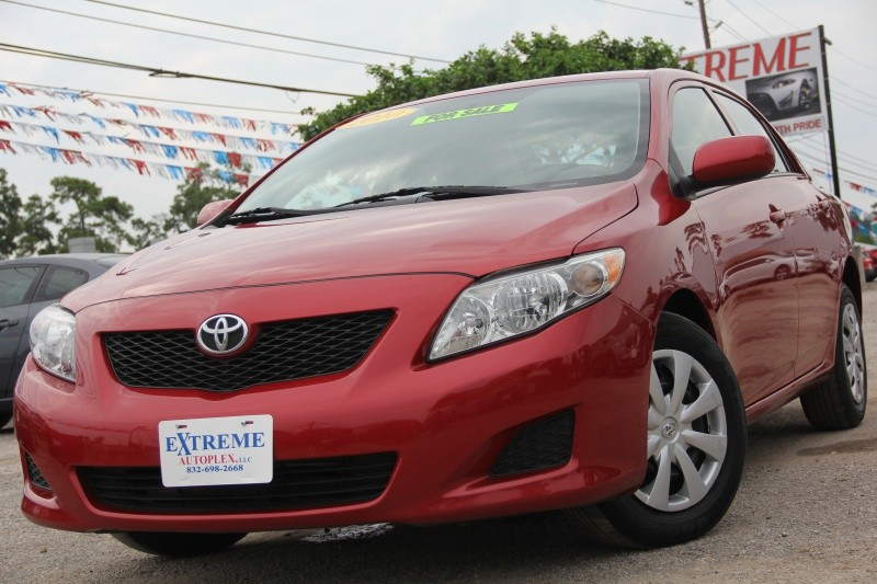 2010 Toyota Corolla LE 4drAutomatic  Only 74K Miles