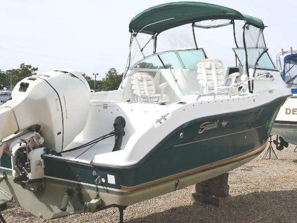 2005 Seaswirl 2301 DC