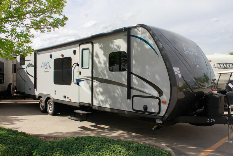 2017 Coachmen Apex Ultra-Lite 300BHS