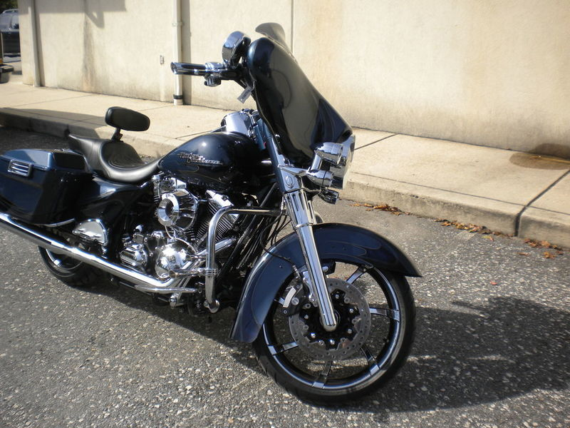 Avon Gatlin Footpegs /& Shifter Peg 3 Piece Set Black Contour Harley Dyna Softail