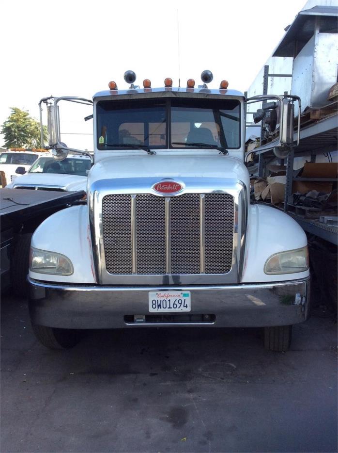 2010 Peterbilt 330  Rollback Tow Truck