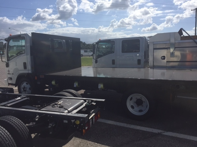 2015 Isuzu Npr Xd  Flatbed Truck