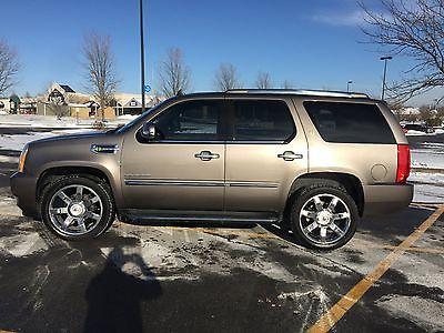 2011 Cadillac Escalade 2WD 2011 Cadillac Escalade RWD