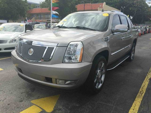 2007 Cadillac Escalade EXT Sport Utility Pickup 4D 5 1/4 ft