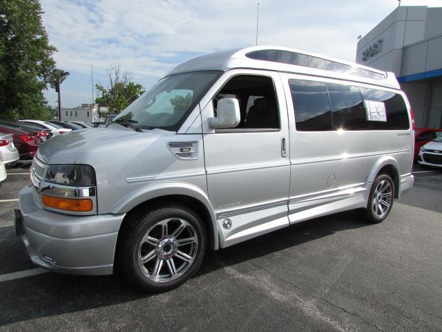 2016 Chevrolet Express 2500 Passenger Van