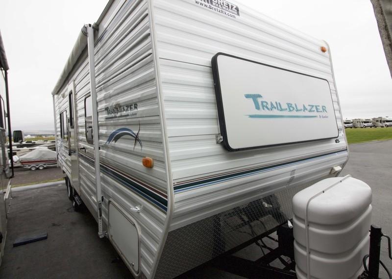 2004 Komfort Trailblazer 24