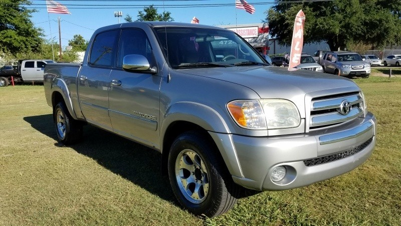 2006 Toyota Tundra DoubleCab V8 SR5 Well Taken Care of! 2000 Down Easy Financing