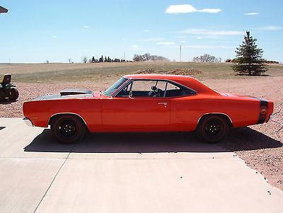 1969 Dodge Coronet  1969 Dodge Super Bee 440 Six Pack