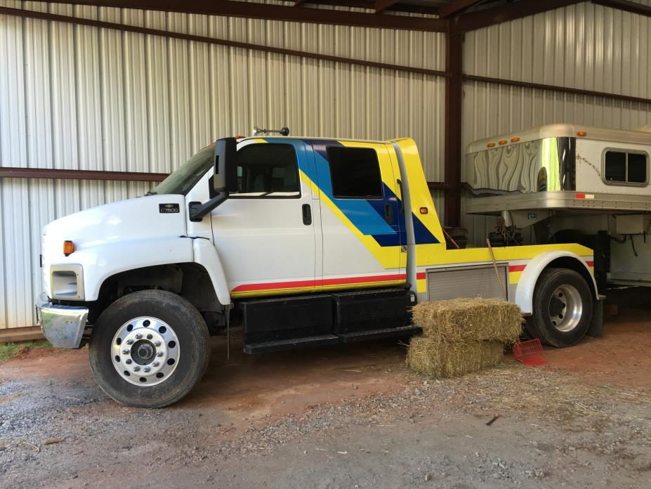 2004 Chevrolet C7500 Cab Chassis