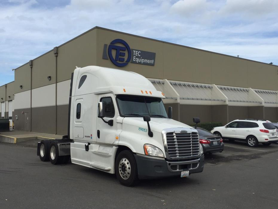2014 Freightliner Cascadia Conventional - Sleeper Truck
