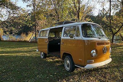1971 Volkswagen Bus/Vanagon  1971 Volkswagon Bus