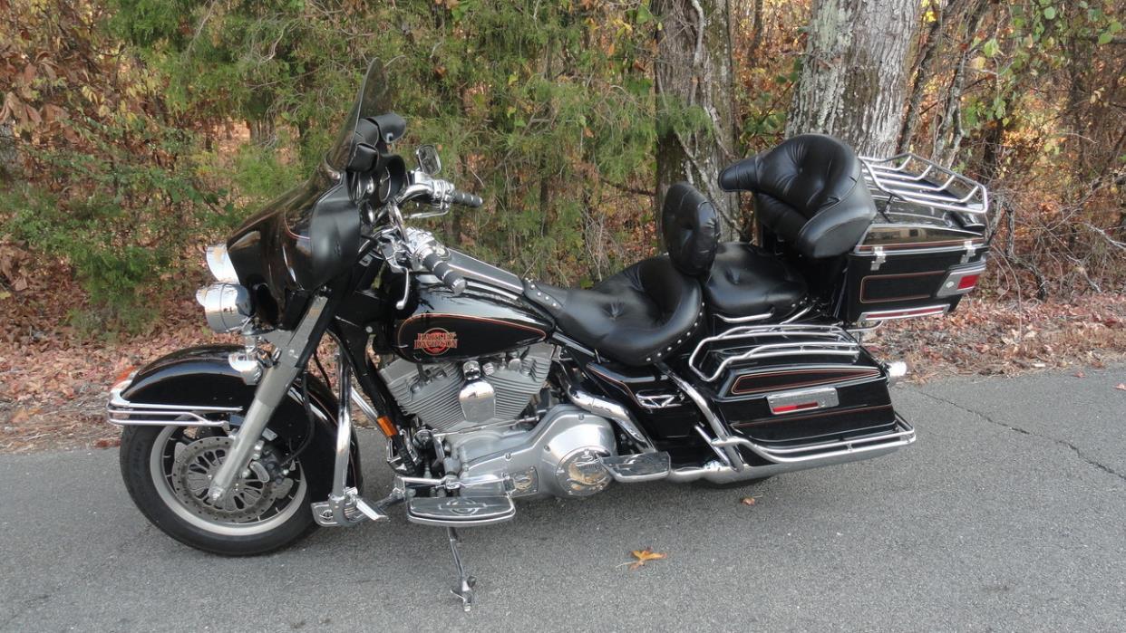 2012 Harley Dyna Glide - Street Bob