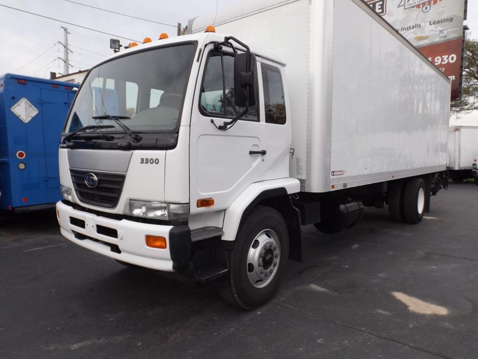 2010 Ud Trucks 3300  Box Truck - Straight Truck