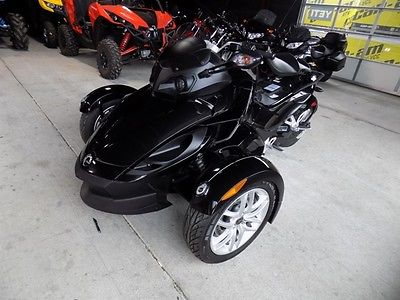 2016 Can-Am RS SM5  2016 CAN AM SPYDER RS SM5 MANUAL SHIFT SPORT CRUISER ROTAX ROASTER MOTORCYCLE