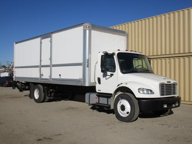 2009 Freightliner Business Class M2 106 Moving Van