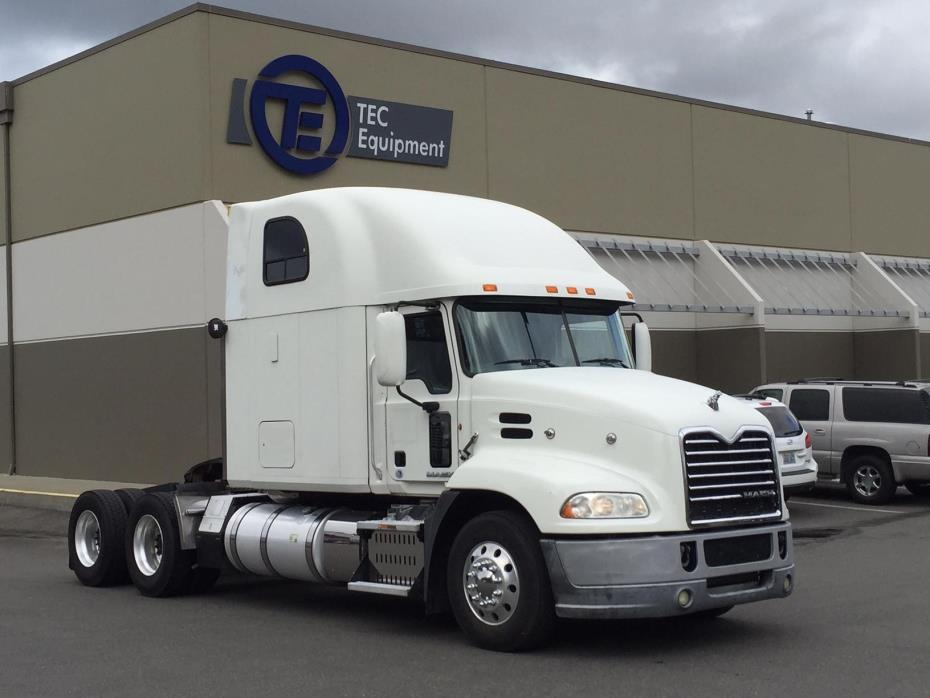 2012 Mack Pinnacle Cxu613 Conventional - Sleeper Truck