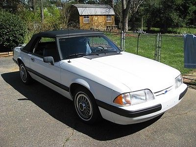 1990 Ford Mustang LX Convertible 2-Door 1990 Ford Mustang LX Convertible 2-Door 2.3L