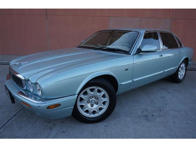2003 Jaguar XJ Base Sedan 4-Door TUNNING 2003 JAGUAR XJ8 LUXURY LOW MILES GLACIER BLUE SUNROOF WOOD PARKTRONIC!!