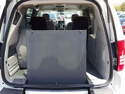 2008 Chrysler Town & Country Touring Mini Passenger Van 4-Door 2008 White Touring hANDICAP WHEELCHAIR VAN!