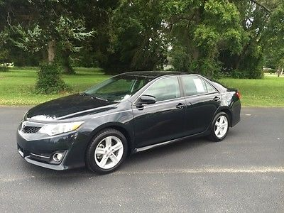 2013 Toyota Camry -- 2013 Toyota Camry 33309 Miles 4D Sedan 2.5L I4 SMPI DOHC 6-Speed Automatic