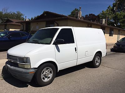 2004 Chevrolet Astro Base Extended Cargo Van 3-Door 2004 Chevrolet Astro 4.3L Full Of Janitorial Equipment And Supplies