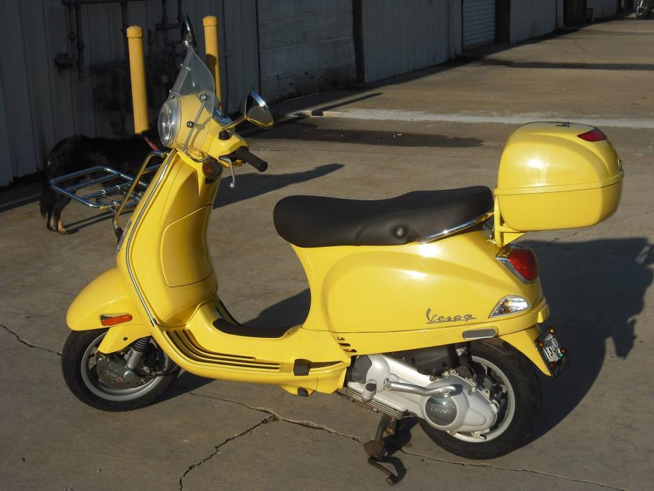 2007  Vespa  LX 150 - YELLOW