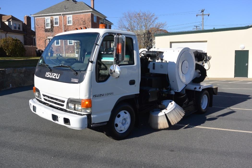 2000 Isuzu Npr  Sweeper
