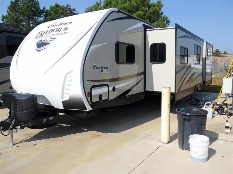 2017 Coachmen Freedom Express Liberty Edition 320BHDS