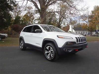 2015 Jeep Cherokee Trailhawk 2015 Jeep Cherokee Trailhawk 20462 Miles Bright White Clearcoat 4D Sport Utility