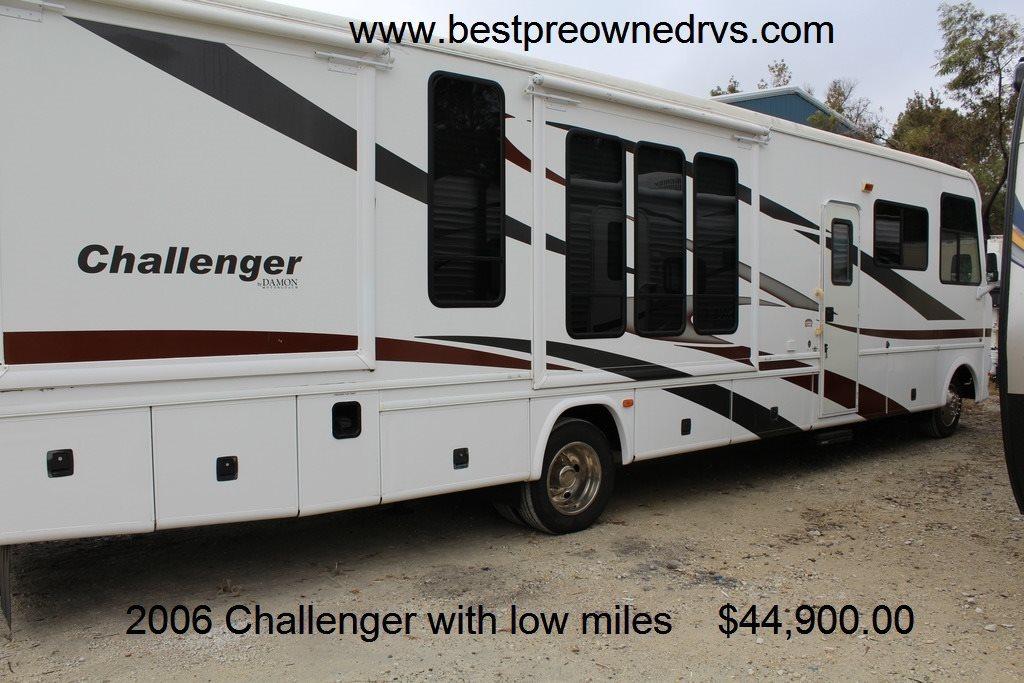 2006 Damon Motor Coach Challenger 377C