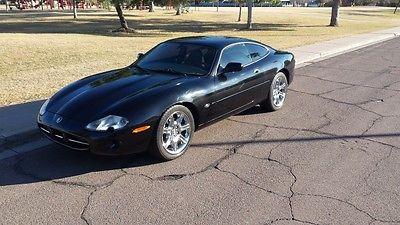 2000 Jaguar XK8  JAGUAR XK8 CPOUPE