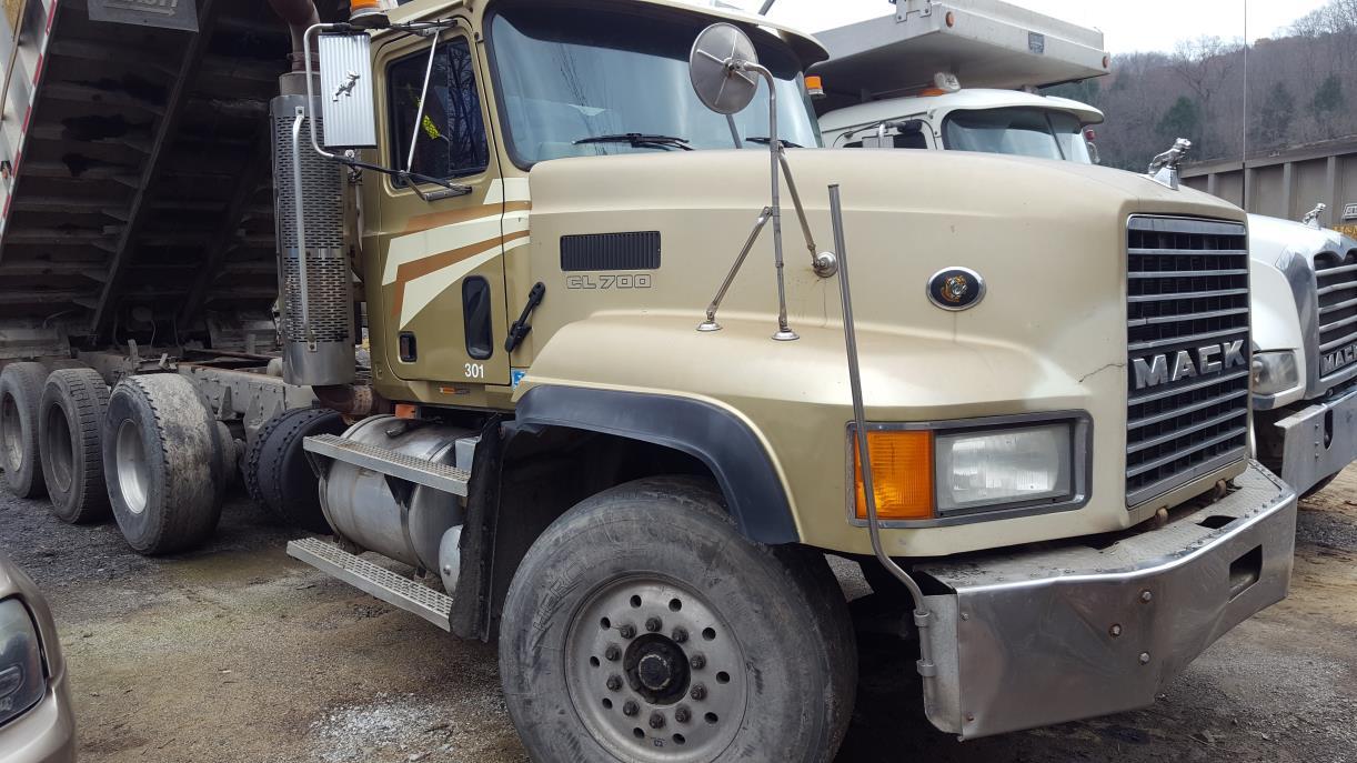 2003 Mack Cl713 Dump Truck