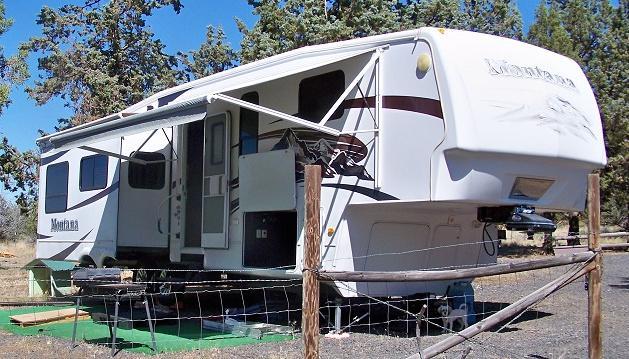 2009 Keystone Montana 3585SA