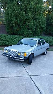 1983 Mercedes-Benz 200-Series Leather Interior, Alloy Wheels, Sunroof 1983 Mercedes 240D, Garage Kept, One Owner