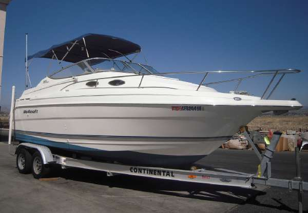 2001 Wellcraft 2400 Martinique Cruisers