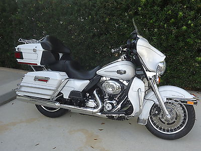 2012 Harley-Davidson Touring  2012 Harley Ultra Classic looks and runs like new!!