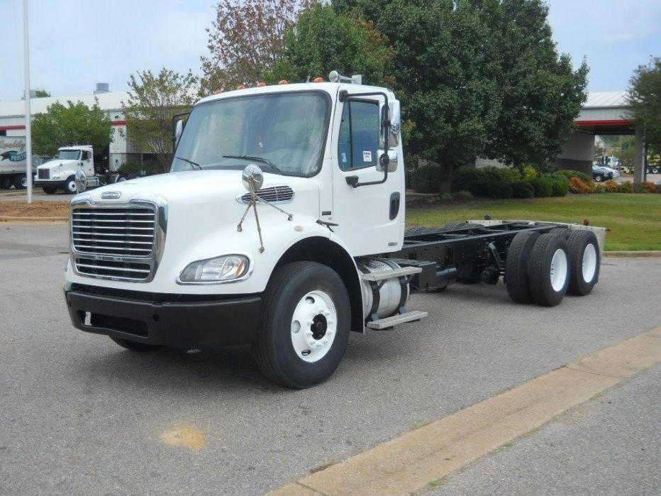 2008 Freightliner Business Class M2 112 Cab Chassis